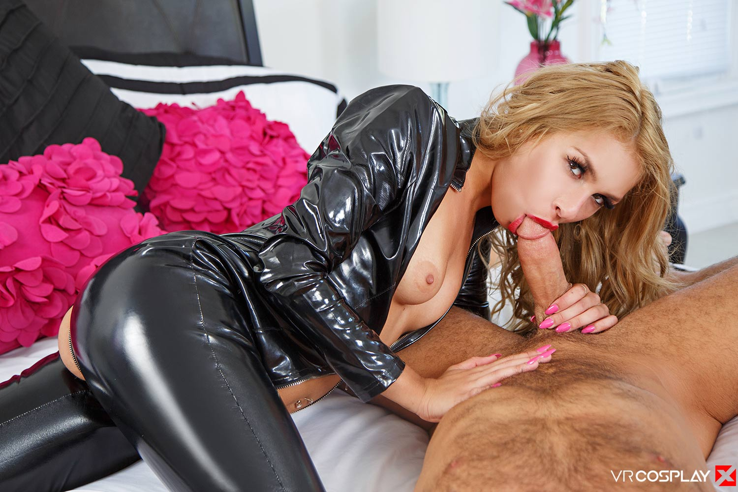 Carmen Caliente as Catwoman Blowjob