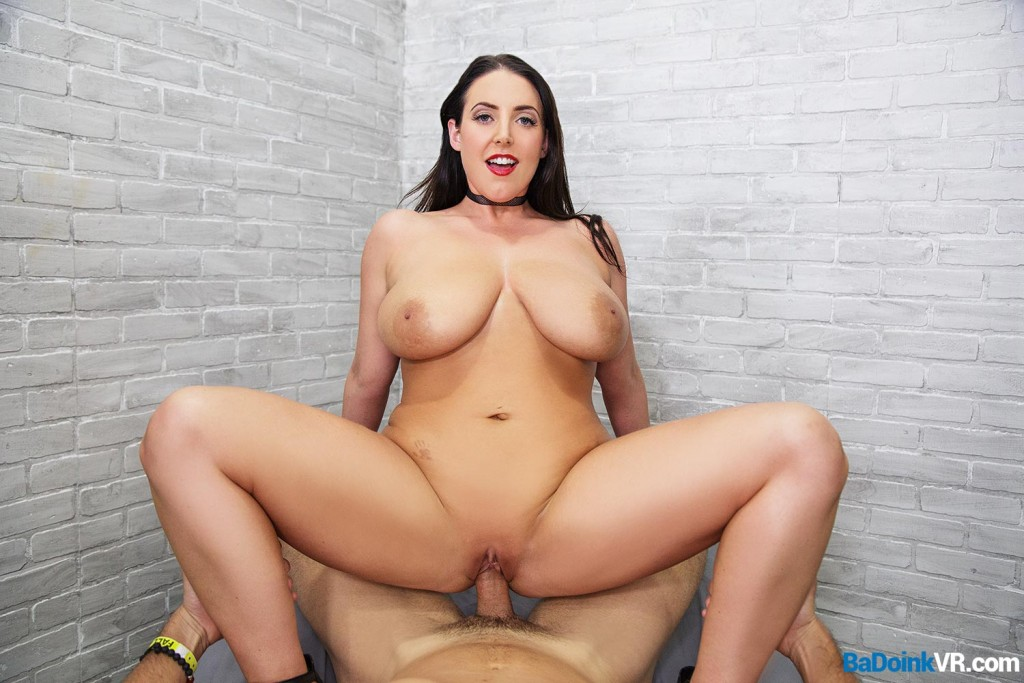Huge Natural Tits In Vr With Busty Angela White By Mobilevrxxx-4313