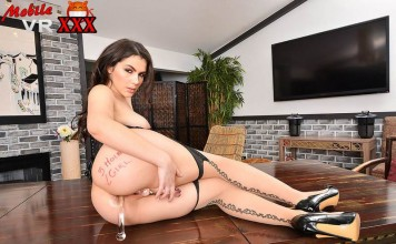 three hole girl Valentina Nappi with Glass Toy Up her ass